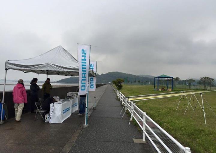 シマノさんの投げの試投会が姫路の大塩海岸にて開催されています。