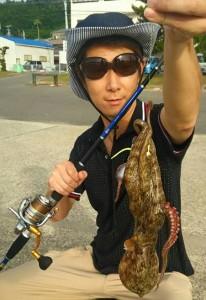 最近流行りの漁港でタコを釣ってみた。